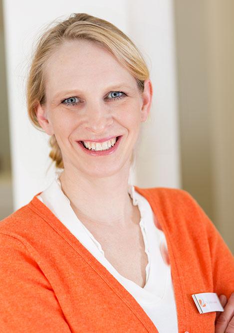 Dr. Julia Vaubel